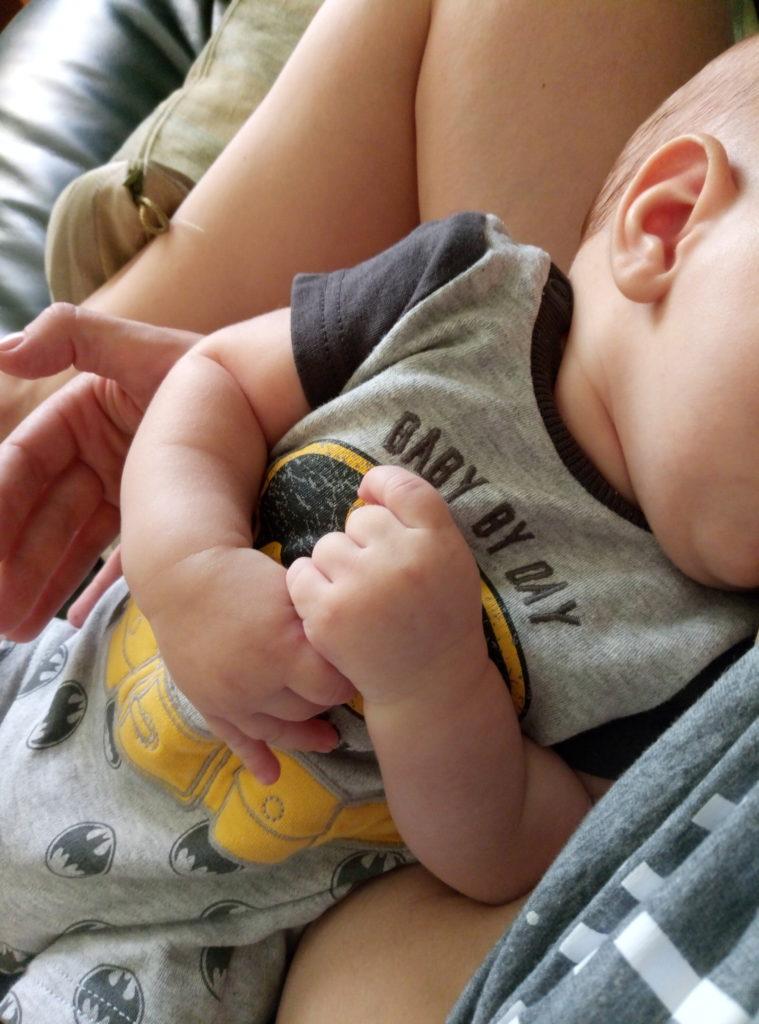 Как правильно кормить ребенка грудью? Что нужно знать?