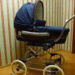 Детская коляска в квартире