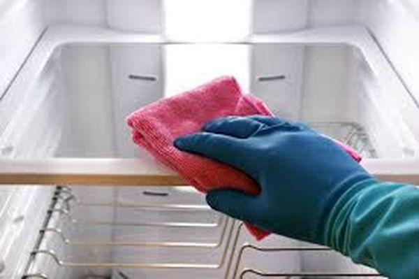 Вывести запах можно при помощи химических моющих средств