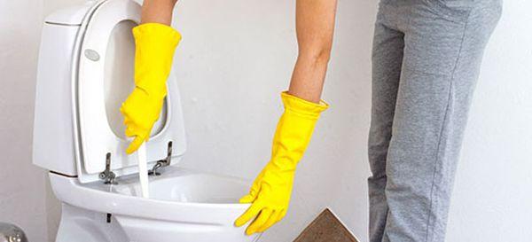 Не забывайте периодически мыть унитаз