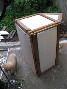 как утеплить будку для собаки на зиму пенопластом