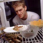 Неприятный запах от еды в холодильнике