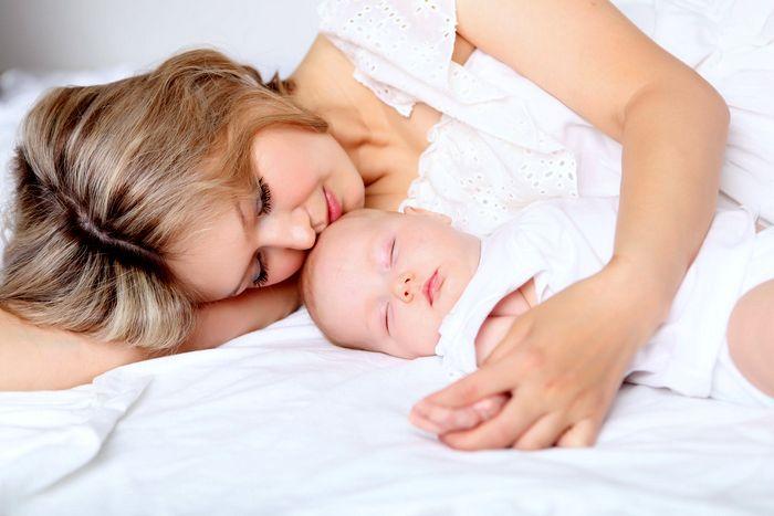 Когда должны начаться месячные после родов?