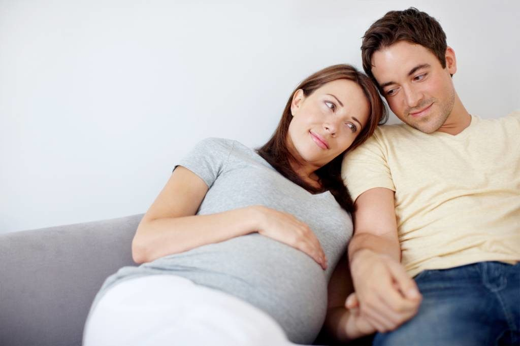 Какие выделения опасны при беременности?