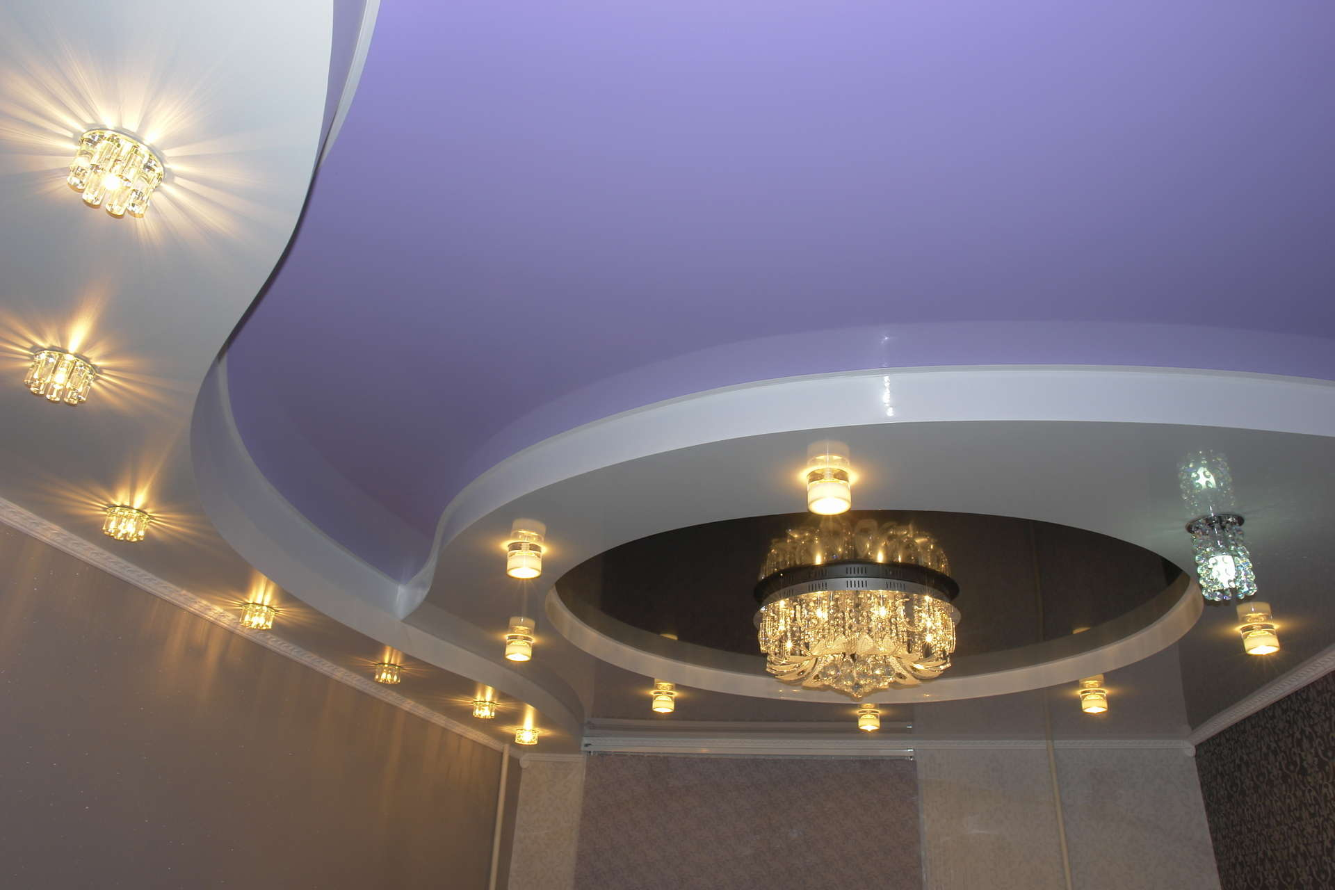Пример многоуровневого натяжного потолка