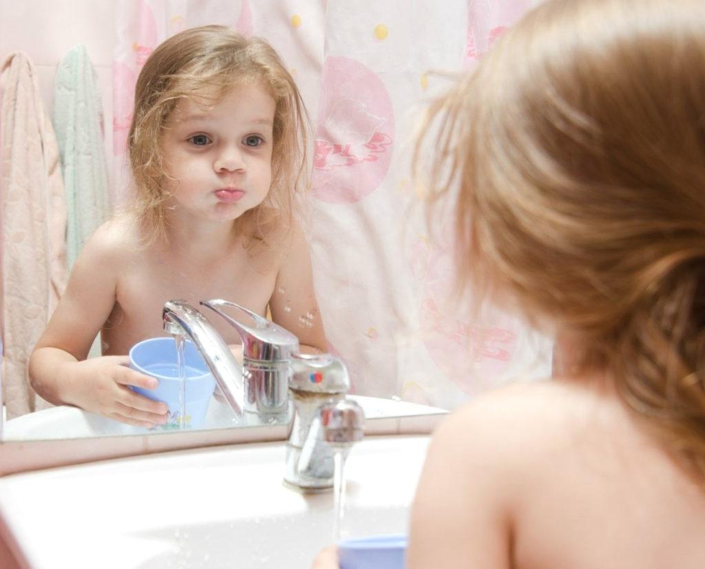 Как лечить ангину у ребенка? Какие могут быть осложнения при ангине у ребенка?