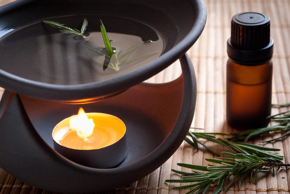 Аромалампа с добавлением эфирного масла против комаров