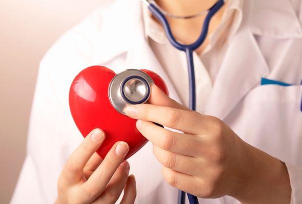 Прививки не рекомендуют при проблемах с сердцем