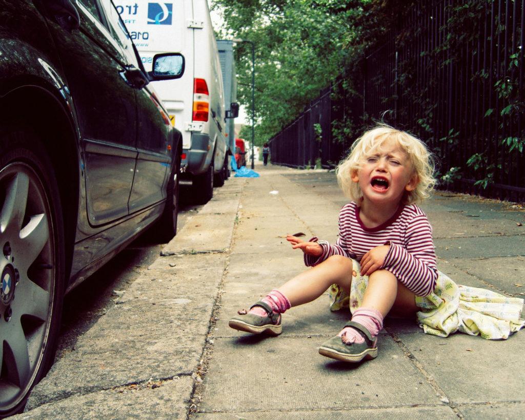 Частые истерики у ребенка: причины и что с эти делать?