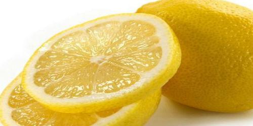 Лимон нарезанный дольками