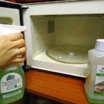 Мытье микроволновки химическими средствами