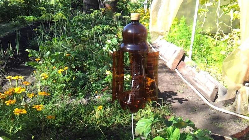 Вертушка из пластиковой бутылки для отпугивания грызунов