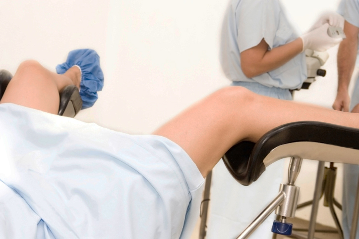 Почему болит матка после родов?