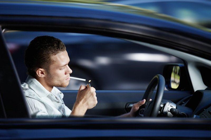 Неприятный аромат табака в машине