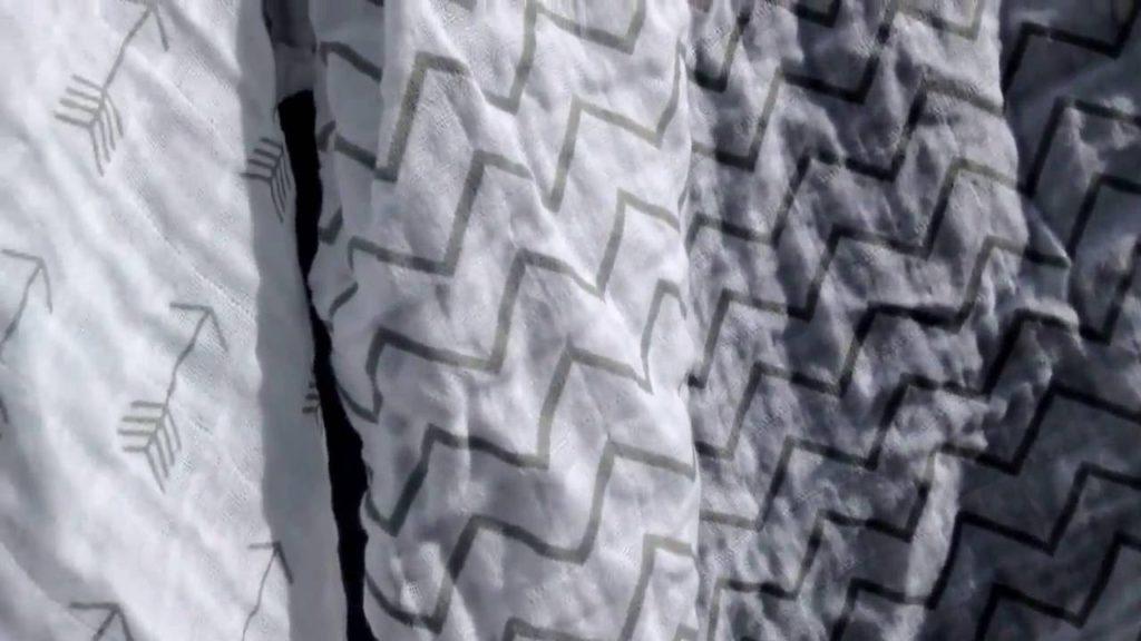 Муслиновые пеленки: стоит ли тратиться на золотые тряпки?