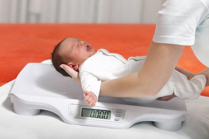 Врачи, которых нужно посетить новорожденному в 1 месяц