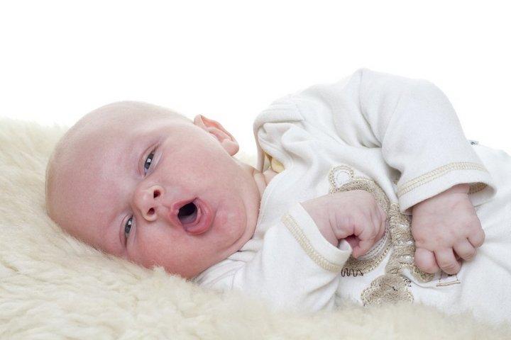 Кашель у ребенка. Какие лекарства назначают детям до года