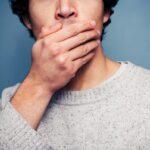Неприятный запах изо рта: как избавиться