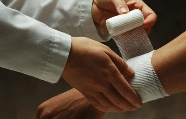 Фото процесса обработки мышиного укуса