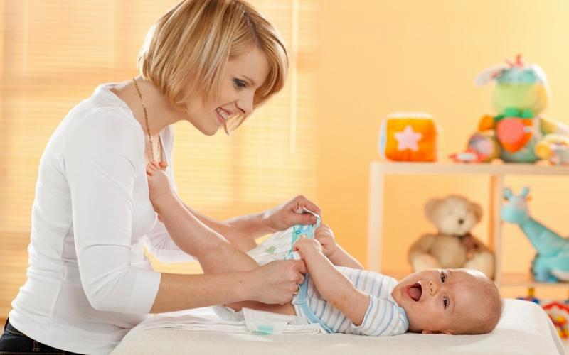 Чем опасны опрелости для малыша?