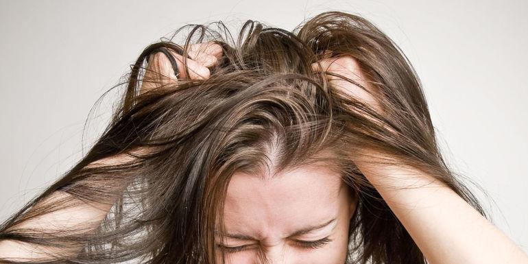 Почему может часто чесаться голова