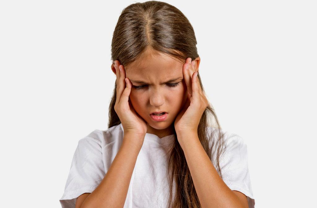 Ребенок постоянно жалуется на головную боль